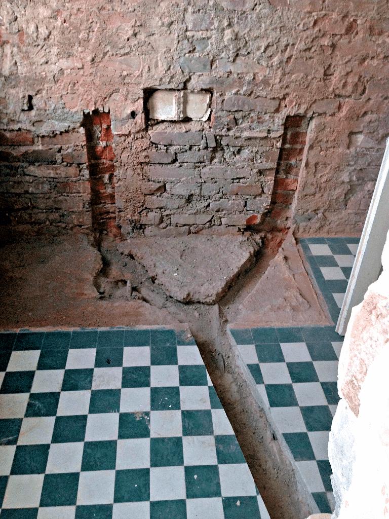 Thionville - Préparation de la chape pour la future salle de bain
